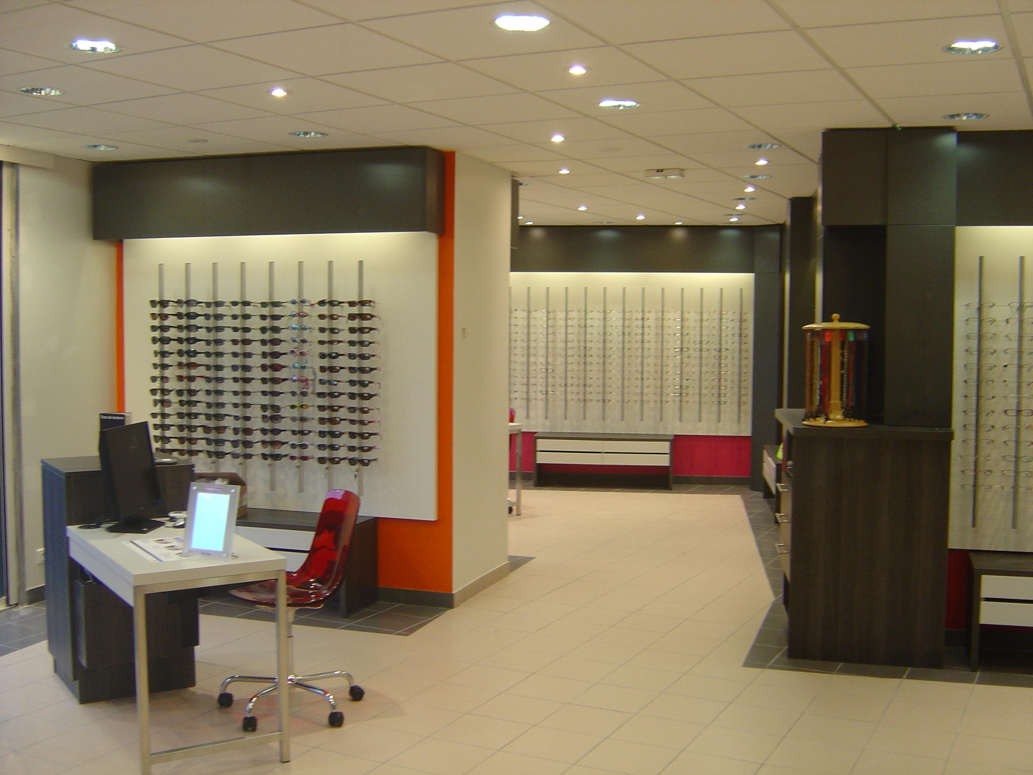 agencement-magasin-optique