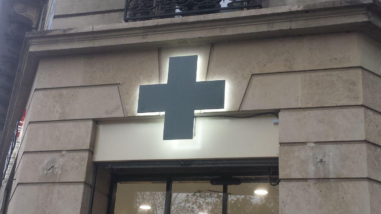 enseigne-et-plaque-professionnelles-pharmacie